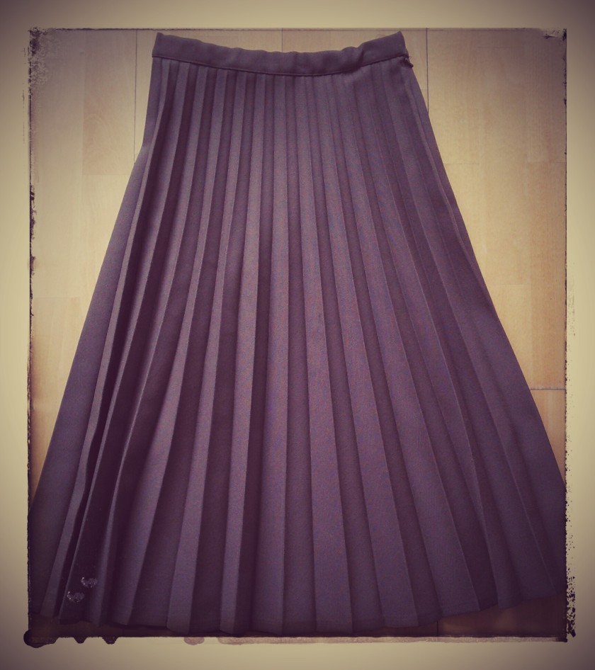 Vintage pleated skirt by St Michaels.